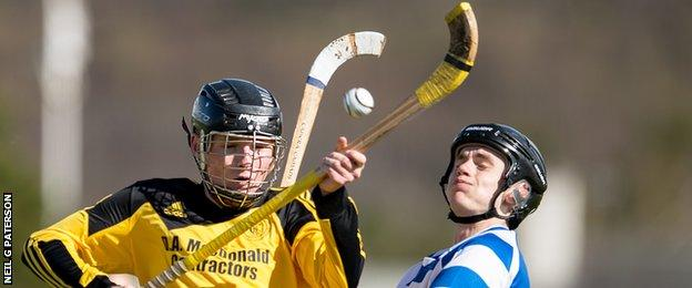 Newtonmore do battle with Inveraray in the Premiership