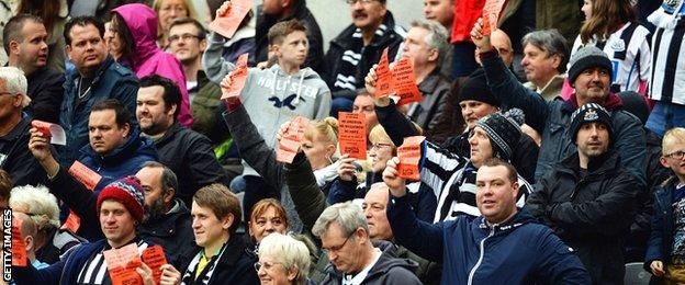 Newcastle fans make their feelings known