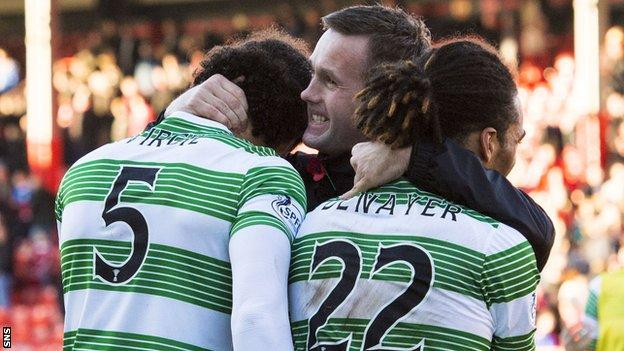 Ronny Deila celebrates with his team after they won at Pittodrie in November