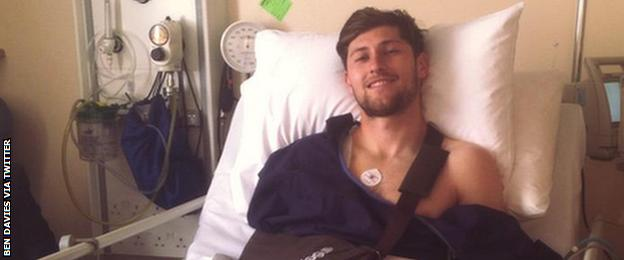 Ben Davies in hospital following his shoulder operation