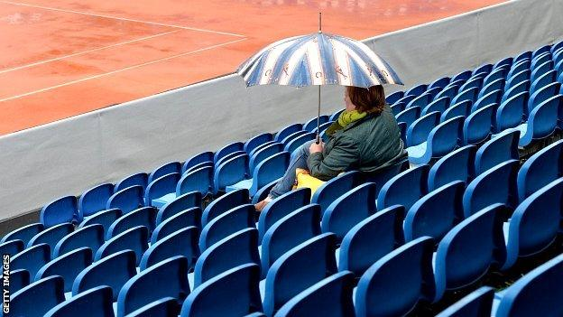 Rain disrupted the quarter-final schedule in Munich on Friday