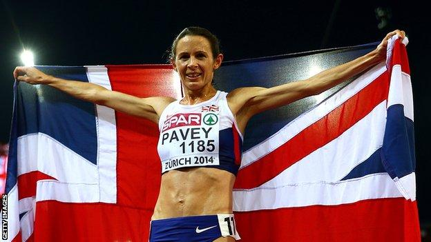 Jo Pavey celebrates winning 10,000m gold at the 2014 European Championships