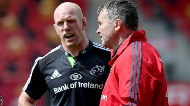 Munster coach Anthony Foley with Paul O'Connell