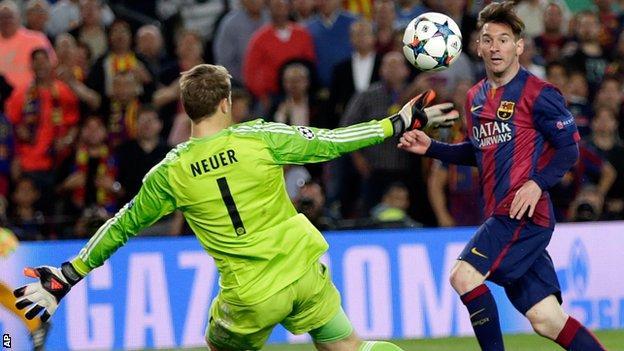 Lionel Messi scores Barcelona's second goal against Bayern Munich