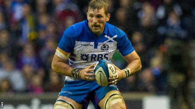 John Barclay carries for Scotland against South Africa
