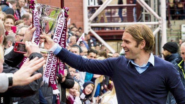 Robbie Neilson celebrates winning the Scottish Championship