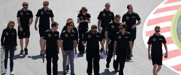 Romain Grosjean and team