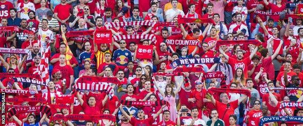 Crowd at New York Red Bulls v New York City