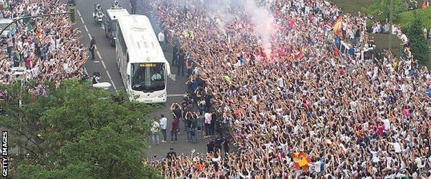 Big crowds gathered outside the Bernabeu before kick off to greet the Real Madrid team coach