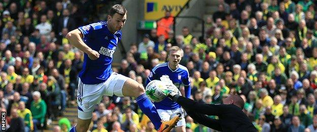 Tommy Smith equalised for Ipswich's 10 men