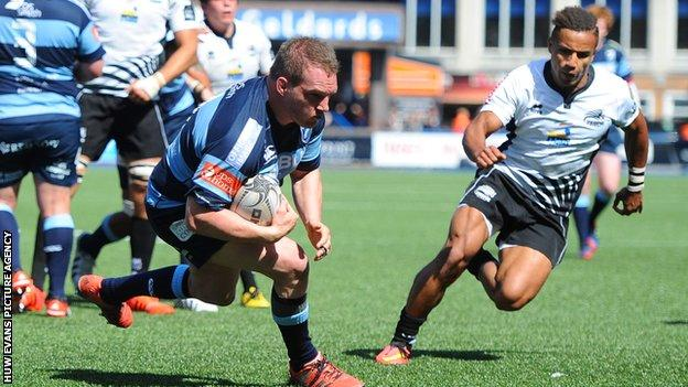 Gethin Jenkins scores try for Cardiff Blues