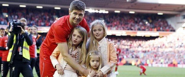 Steven Gerrard on the pitch with his daughters