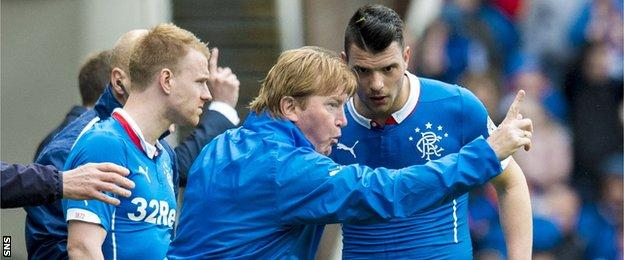 Stuart McCall gives instructions to Haris Vuckic
