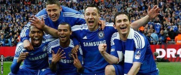 Chelsea celebrate winning the 2012 FA Cup final