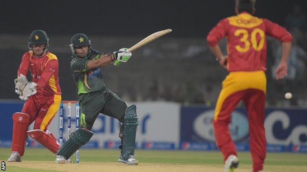 Pakistan batsman Umar Skmal