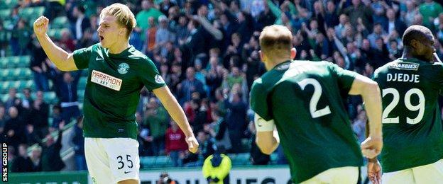 Jason Cummings scored a late winner for Hibernian at Easter Road