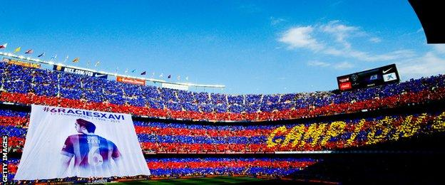 Xavi giant flag