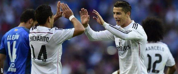 Cristiano Ronaldo, Javier Hernandez