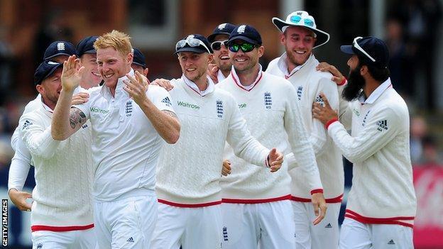 England celebrate Ben Stokes (front left) taking the wicket of Kane Williamson