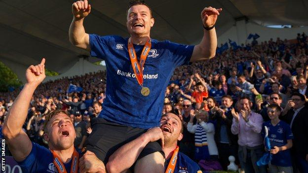 Brian O'Driscoll (centre) and Leinster celebrate winning the Pro12 in 2014