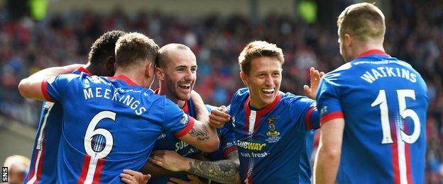 Inverness Caledonian Thistle players celebrating