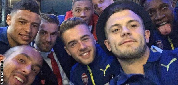 Jack Wilshere Arsenal team selfie