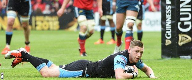 Finn Russell scored Glasgow Warrior's fourth try of the game