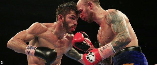 Jorge Linares and Kevin Mitchell