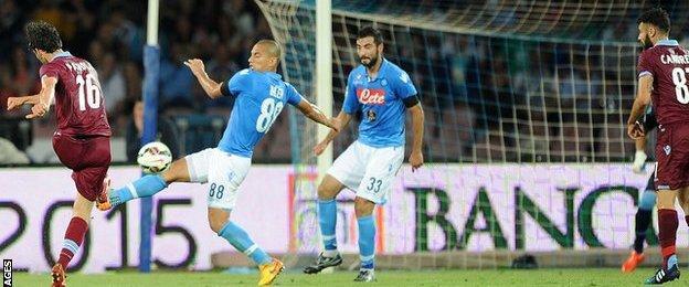 Marco Parolo scores for Lazio at Napoli