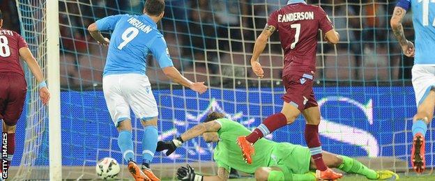 Gonzalo Higuain scores for Napoli