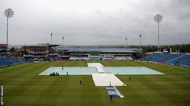 Covers coming on at Headingley