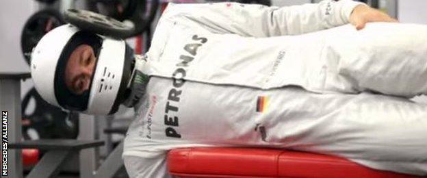 Nico Rosberg Neck training