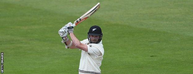 Mark Craig bats