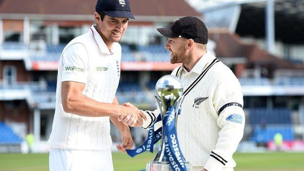 Alastair Cook and Brendon McCullum with the Test series trophy