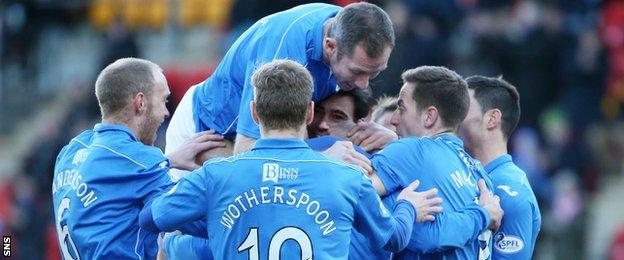 St Johnstone players celebrating