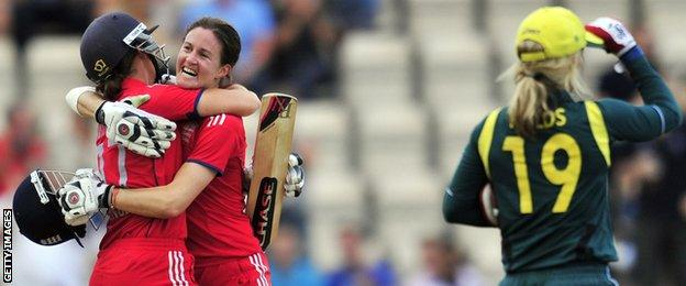 Arran Brindle and Lydia Greenway celebrate winning at the Ageas Bowl in 2013