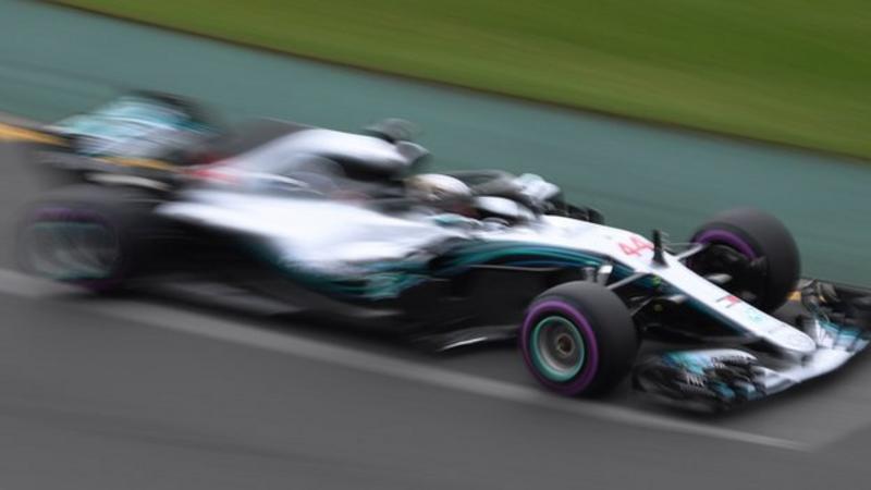 Hamilton spektakolar merr pole position