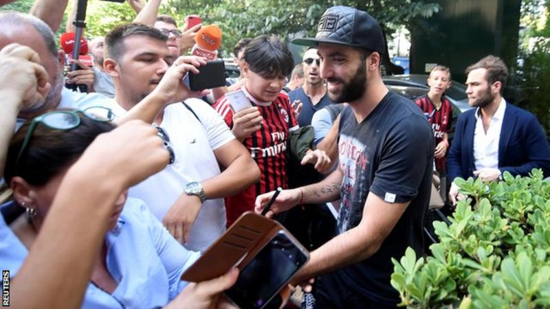 Chelsea news: Gonzalo Higuain reveals why he snubbed Blues for AC Milan
