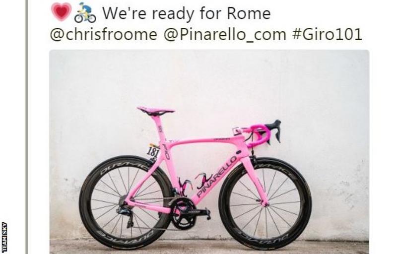 Bicicleta roz a lui Chris Fromme