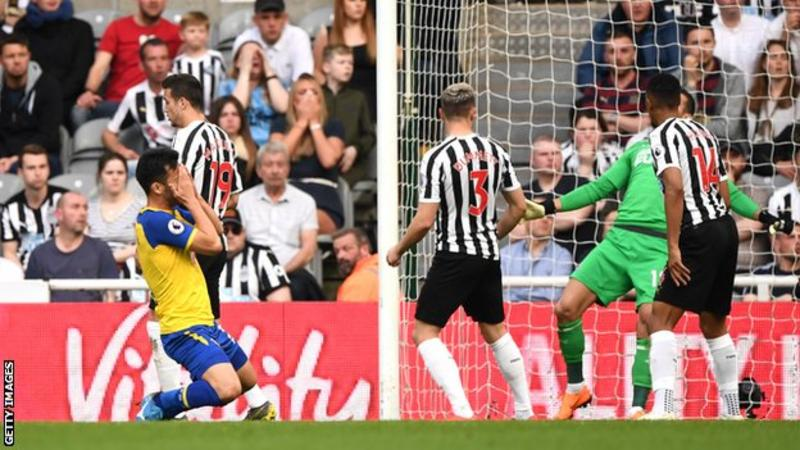 Newcastle United 3-1 Southampton: Ayoze Perez hat-trick gives Newcastle victory