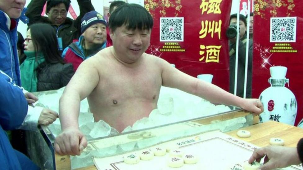 Man wins chilly chess challenge