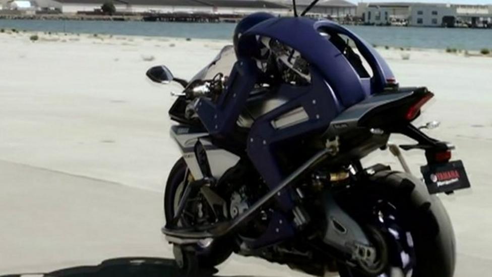 Motorbike racing robot