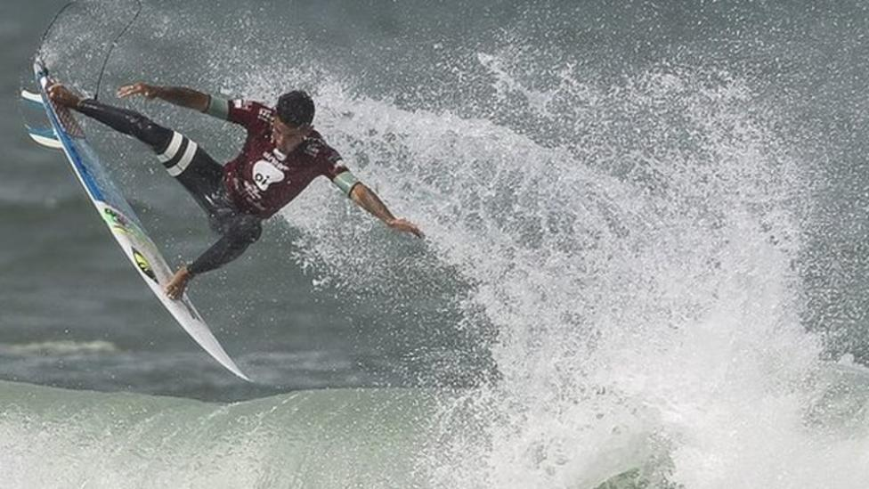 Scientists to study surfers' poo