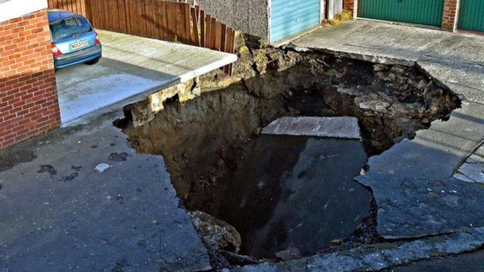 Huge sinkhole appears on Newcastle street