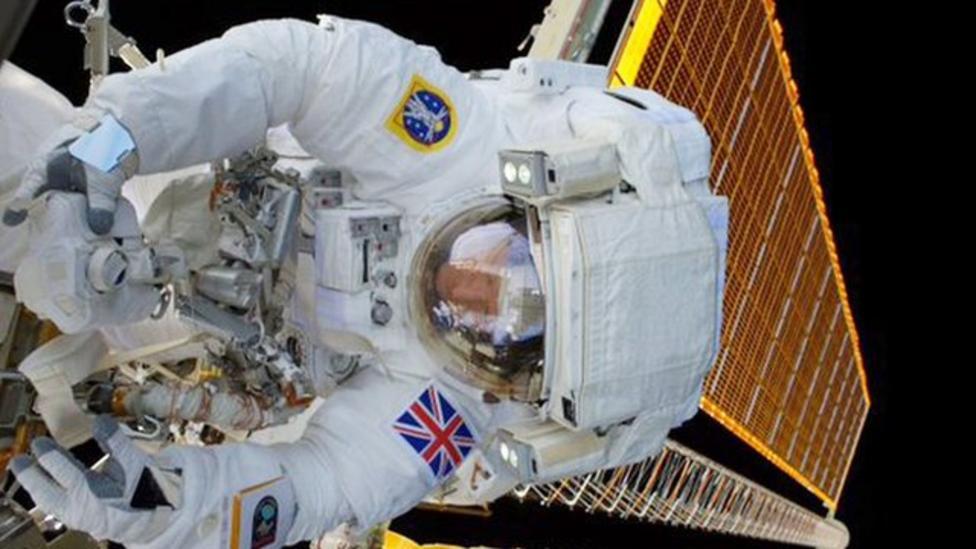 Tim Peake's spacewalk ends early