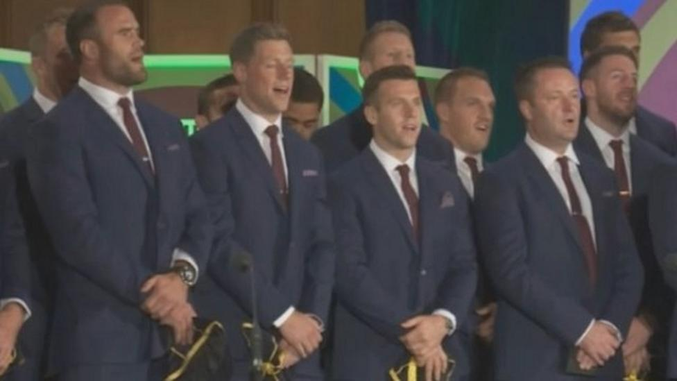 Welsh team sing to Prince William