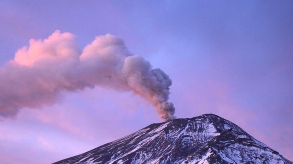 Ash from volcano closes airport in Mexico