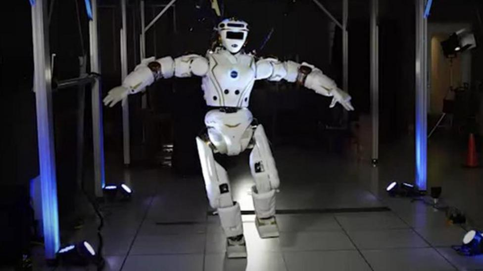 Nasa tests out new robot for Mars