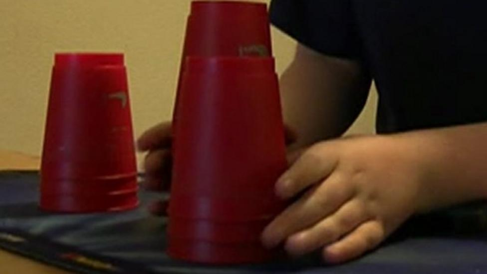 How to stack cups