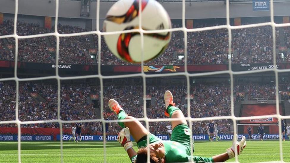 Watch Carli Lloyd's amazing goal